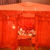 Tente rouge Lyon Villeurbanne Yoga Is Now